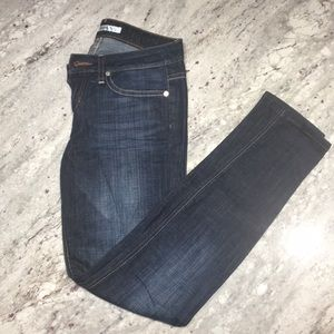 Joe's Chelsea skinny jeans in size 25